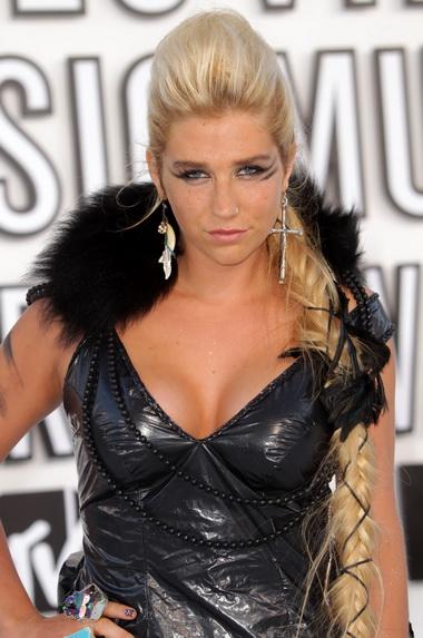 Kesha на вручении премии 2010 MTV Video